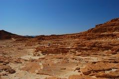 Wüstenberge mit dem blauen Himmel Stockbild