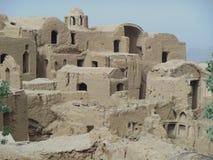 Wüstendorf von Schlammhäusern des luftgetrockneten Ziegelsteines nahe Yazd der Iran Lizenzfreies Stockbild