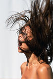 Wütende Haarfrau stockfotografie
