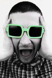 Wütender junger schreiender Mann Lizenzfreie Stockfotografie