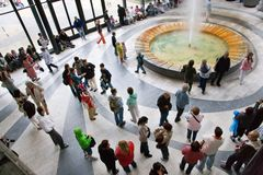 Wąż wody mineralnej pawilon w zdroju grodzki Karlovy Zmienia, Zachodnia cyganeria, republika czech obraz stock