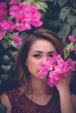 Wąchać wiosnę fotografia royalty free