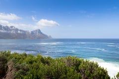 Wącha słonego morze w Gordon Podpalanym Południowa Afryka obraz royalty free