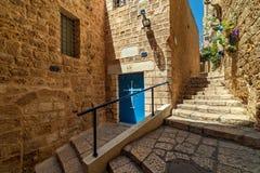 Wąska ulica i stare ściany w Jaffa, Izrael obraz stock