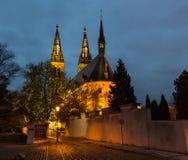 Wąska ulica w stary Ryskim nocą w Bożenarodzeniowym czasie Zdjęcia Royalty Free