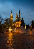 Wąska ulica w stary Ryskim nocą w Bożenarodzeniowym czasie Zdjęcie Royalty Free