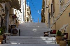 Wąskie ulicy nabrzeżny elita turystyczny grodzki Agios Nikolaos Zdjęcie Royalty Free