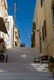 Wąskie ulicy nabrzeżny elita turystyczny grodzki Agios Nikolaos Obrazy Royalty Free