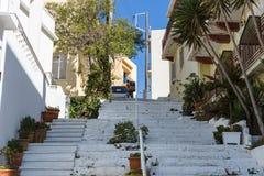 Wąskie ulicy nabrzeżny elita turystyczny grodzki Agios Nikolaos Zdjęcie Stock