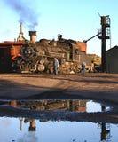 Wąskiego wymiernika parowa lokomotywa zdjęcie stock