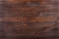 Węźlasty textured ciemny drewno Obrazy Royalty Free