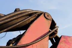 węże elastyczni i tubki hydrauliczny system od maszyny ciężkie - maszyna młotkować stosy w budowy drogowym złączu w M Zdjęcia Royalty Free