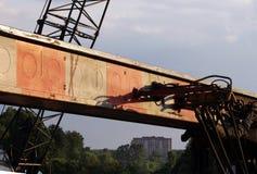węże elastyczni i tubki hydrauliczny system od maszyny ciężkie - maszyna młotkować stosy w budowy drogowym złączu w M Fotografia Stock