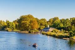 Wężowaty jezioro w Hyde parku Zdjęcia Stock