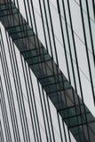 Wędkujący zielony i błękitny szkło drapacz chmur Obrazy Stock