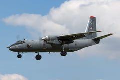 Węgierskiej siły powietrzne Legiero Antonov An-26 Madziarski wojskowy odtransportowywa samolot Fotografia Stock