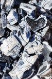 Węgle w ogieniu, węgiel w postaci serc zdjęcia stock