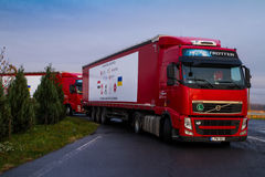 Węgry przynosił w Ukraina 50 ton humanitarna pomoc Zdjęcia Stock