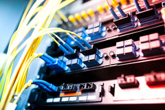 Włókno światłowodowe z serwerami w technologia dane centrum Obraz Stock