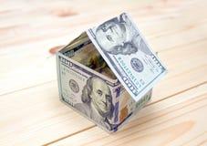 właściciele domu pojęcie kosztów w domu obraz zarobić reprezentuje Obraz Royalty Free