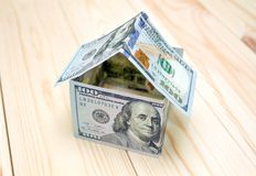 właściciele domu pojęcie kosztów w domu obraz zarobić reprezentuje Obrazy Stock