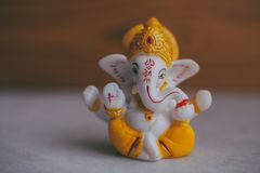 Władyka Ganesha hinduski bóg książkowa pojęcia krzyża religia Orientalne wiary obraz stock