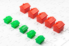 Własności & rynku nieruchomości gra, zakupu dom Obraz Royalty Free