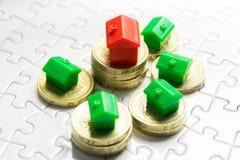 Własności & rynku nieruchomości gra, zakupu dom Zdjęcie Stock