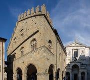 Włoch bergamo Antyczna administracja Lokuje i fasada Świątobliwa Aleksander katedra zdjęcia stock