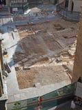 Włoch bergamo Archeologiczni znaleziska podczas odbudowy brukowanie kwadrat obrazy royalty free
