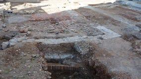 Włoch bergamo Archeologiczni znaleziska podczas odbudowy brukowanie kwadrat zdjęcie wideo