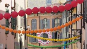 Włoch bergamo Festiwal okręg Borgo Palazzo Szybko się zwiększać który barwi ulicę zdjęcia royalty free