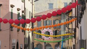 Włoch bergamo Festiwal okręg Borgo Palazzo Szybko się zwiększać który barwi ulicę fotografia stock