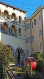 Włoch bergamo Funicular od niskiego miasta górny miasto Sceniczny widok od venetian ściany fotografia royalty free