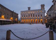 Włoch bergamo Krajobraz na starym głównym placu i bibliotece publicznej po śnieżnego spadku obraz stock