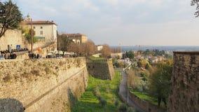 Włoch bergamo Krajobraz przy antycznymi ścianami stary miasto wierzchu miasteczko zdjęcie royalty free