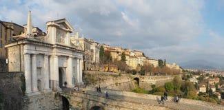 Włoch bergamo starego miasta Krajobraz przy antyczną bramą Porta San Giacomo i Weneckie ściany obraz royalty free