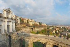 Włoch bergamo starego miasta Krajobraz przy antyczną bramą Porta San Giacomo i Weneckie ściany zdjęcia royalty free