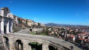Włoch bergamo starego miasta Krajobraz przy antyczną bramą Porta San Giacomo i Weneckie ściany zbiory wideo