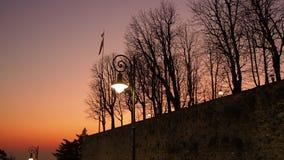 Włoch bergamo starego miasta Ognisty zmierzch wzdłuż antycznej Weneckiej ściany zdjęcie wideo