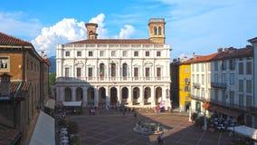Włoch bergamo Stary miasto Krajobraz na starym głównego placu piazza Vecchia i bibliotece publicznej Angelo Mai obraz royalty free