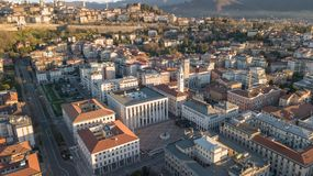 Włoch bergamo Trutnia widok z lotu ptaka centrum miasta niski miasteczko obraz stock