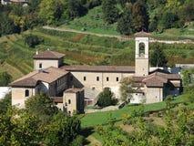 Włoch bergamo Trutnia widok z lotu ptaka Poprzedni monaster Astino zdjęcia royalty free