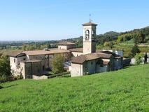 Włoch bergamo Trutnia widok z lotu ptaka Poprzedni monaster Astino zdjęcie stock