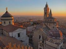 Włoch bergamo Widok z lotu ptaka bazylika Santa Maria Maggiore Colleoni i kaplica obrazy stock