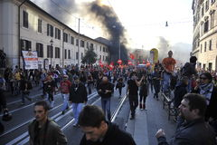 włocha protestacyjni zamieszek Rome ucznie Obraz Royalty Free
