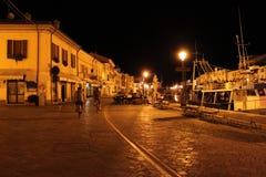 Włochy emilia Cesenatico Ulica miasteczko w nocnego nieba tle szczegółowa artystyczne Eiffel rama France metalicznego poziomy Par Fotografia Stock