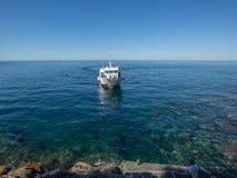 Włochy 2017 Ferryboat Zbliża się dok Obrazy Royalty Free
