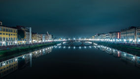 Włochy mosty Florencja przy nocą Obrazy Stock