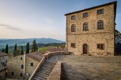 Włochy, Tuscany, Montegemoli kasztel zdjęcie royalty free